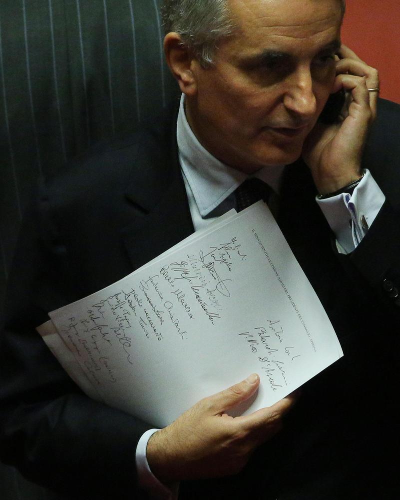 Governo, Giovanardi, D'Ascola, Augello e Sacconi i dissidenti