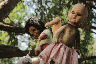 1280px-Xochimilco_Dolls'_Island