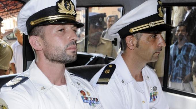 I due marò Salvatore Girone ( a sinistra) e Massimiliano Latorre ( a destra )