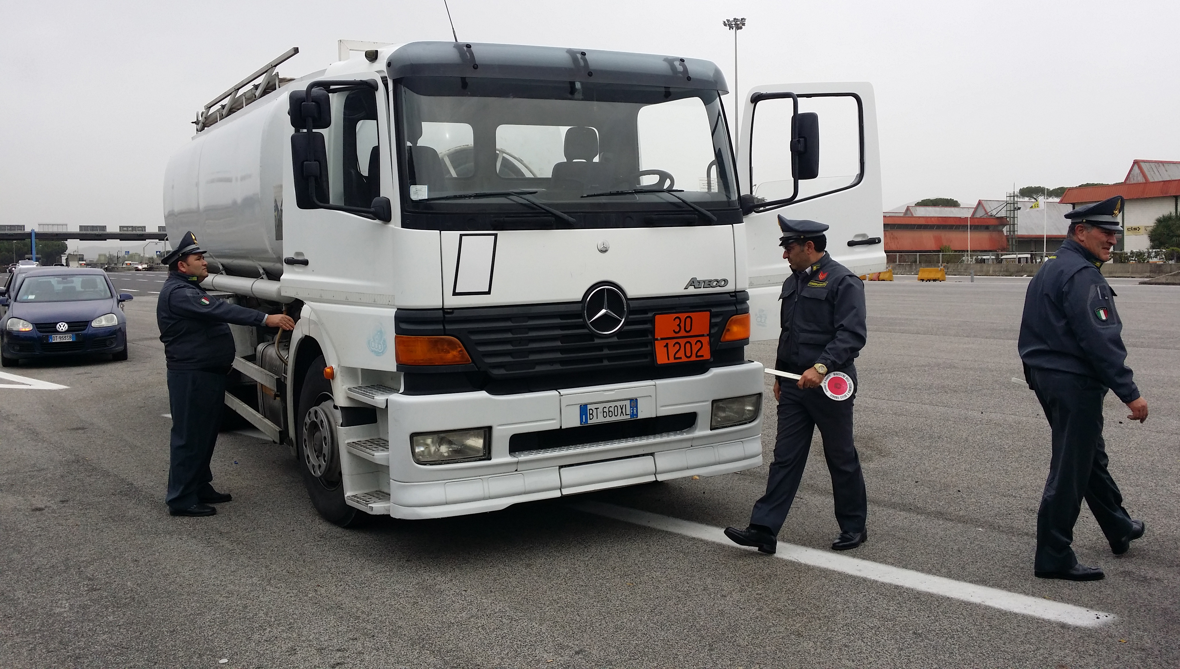 Contrabbando di gasolio 19 arresti a Trani