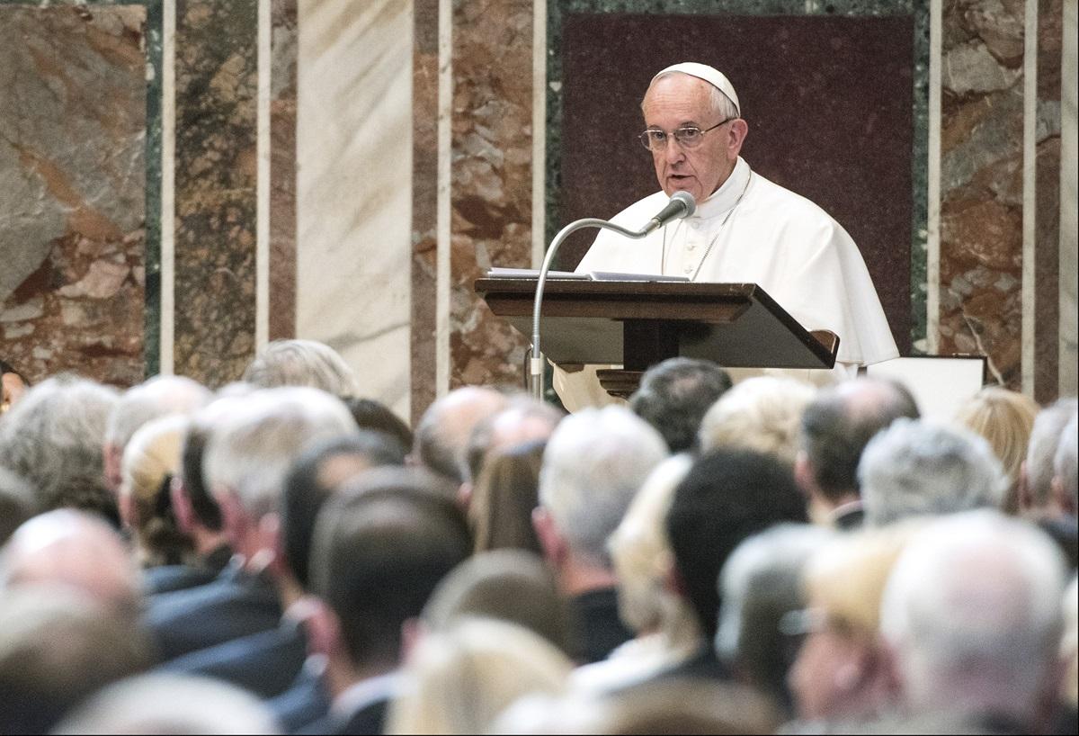 Papa: premio Carlo Magno, appello a Europa