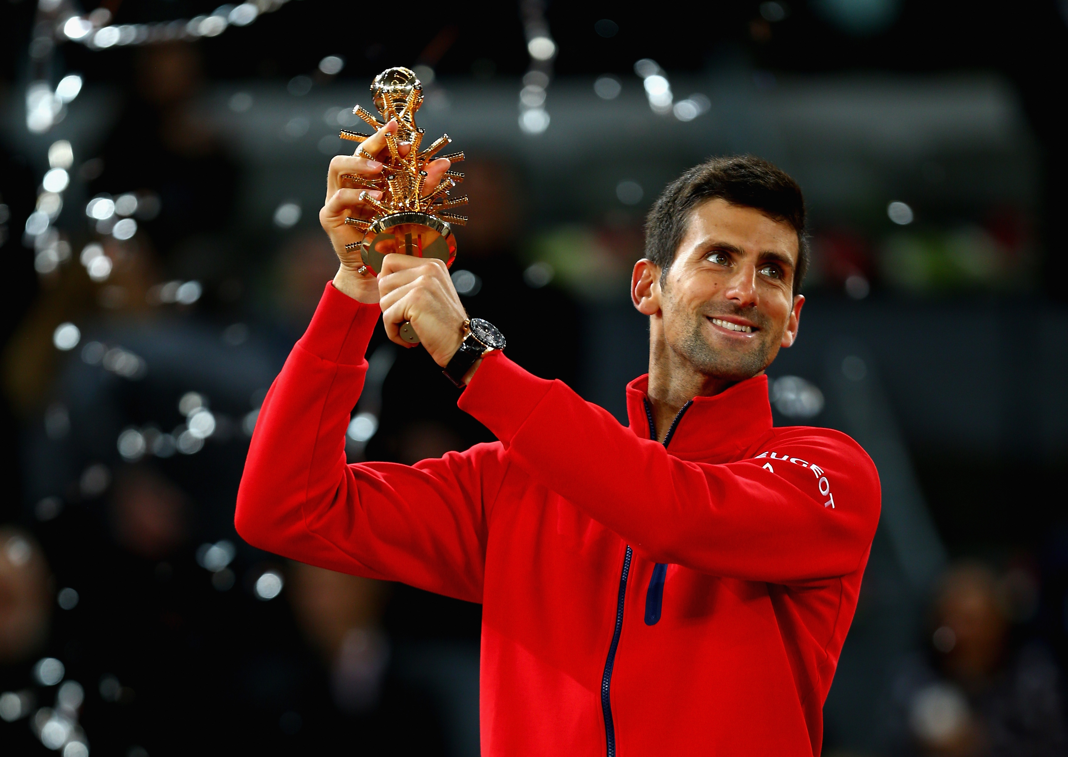 Tennis Djokovic vince torneo di Madrid, in arrivo a Roma