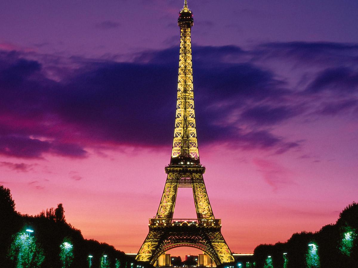 Una notte sulla Tour Eiffel con HomeAway