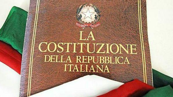 Copertina di una copia della Costituzione della Repubblica Italiana