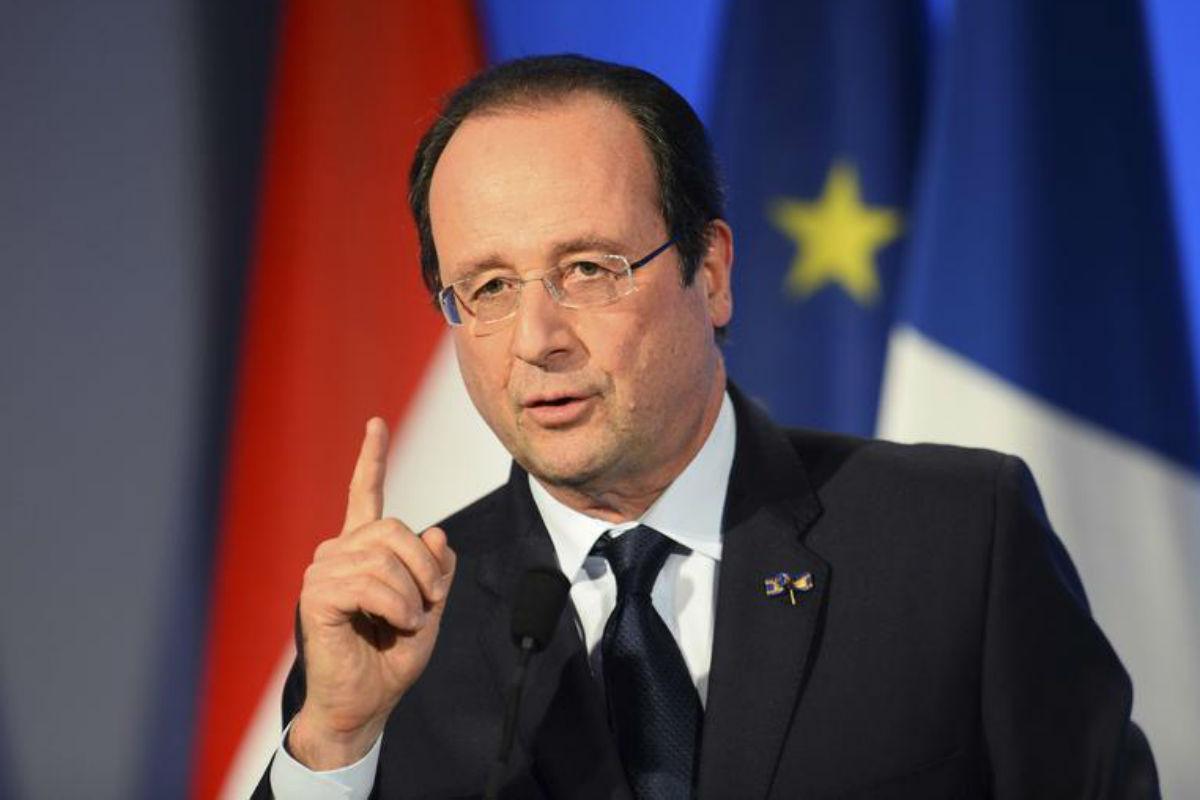 Il Primo Ministro francese Francois Hollande durante una conferenza