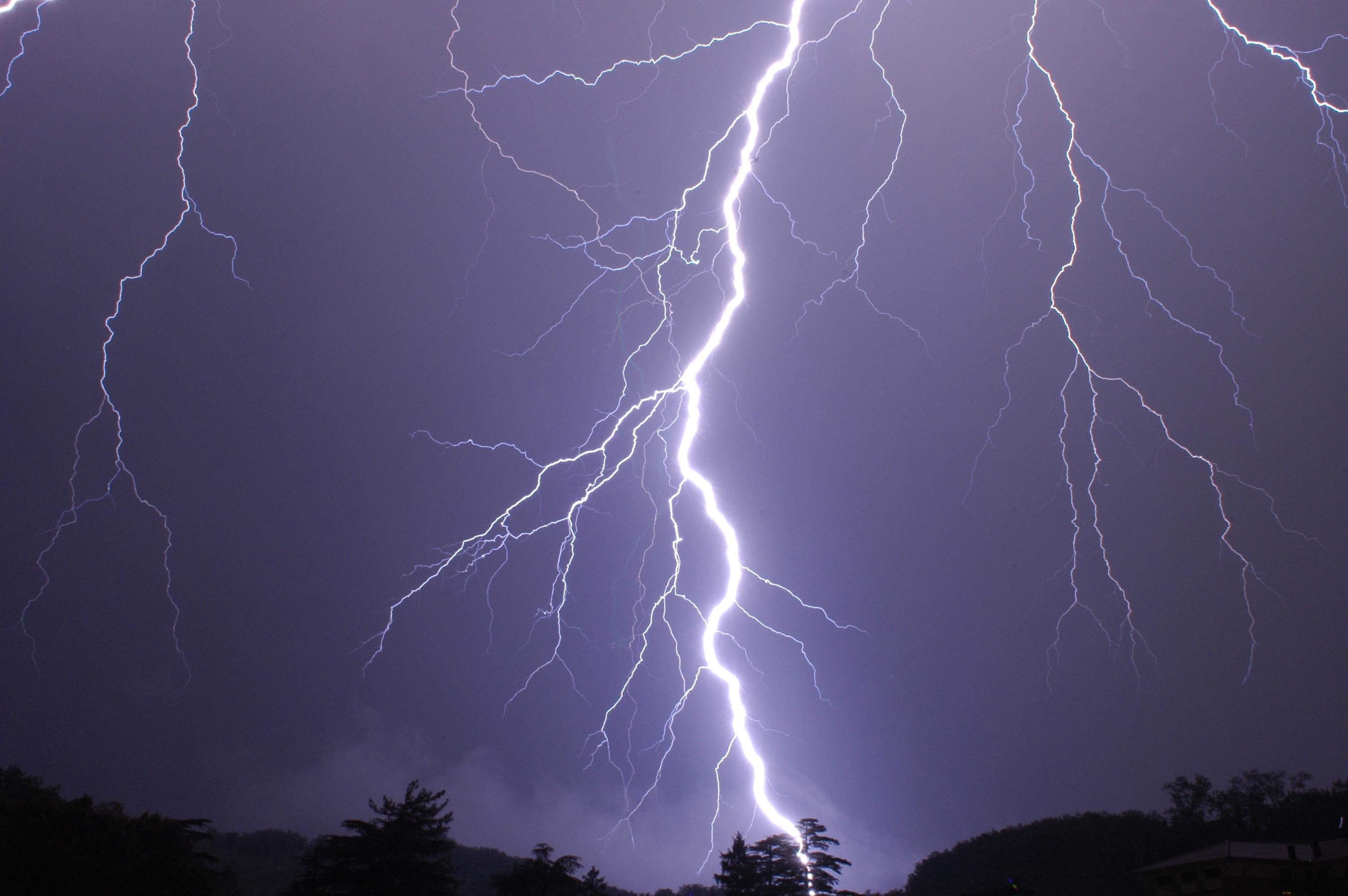 Fulmini e saette durante un temporale