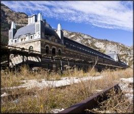 luoghi abbandonati Canfranc_Fachada_2011 3
