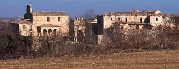 Faraone Vecchio (Te), il borgo abbandonato