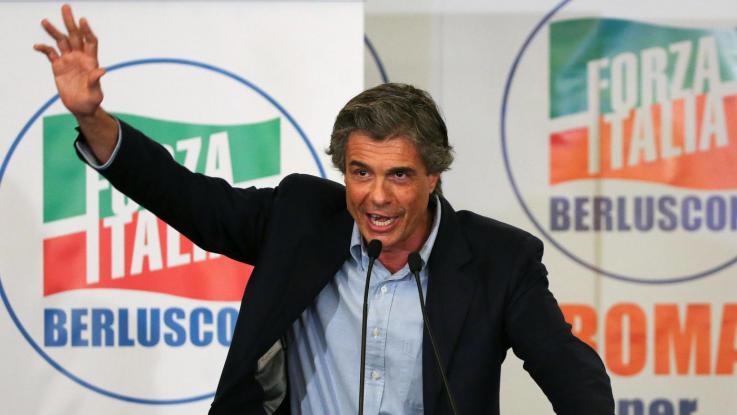 Alfio Marchini, candidato sindaco di Roma, parla ai suoi sostenitori durante la campagna