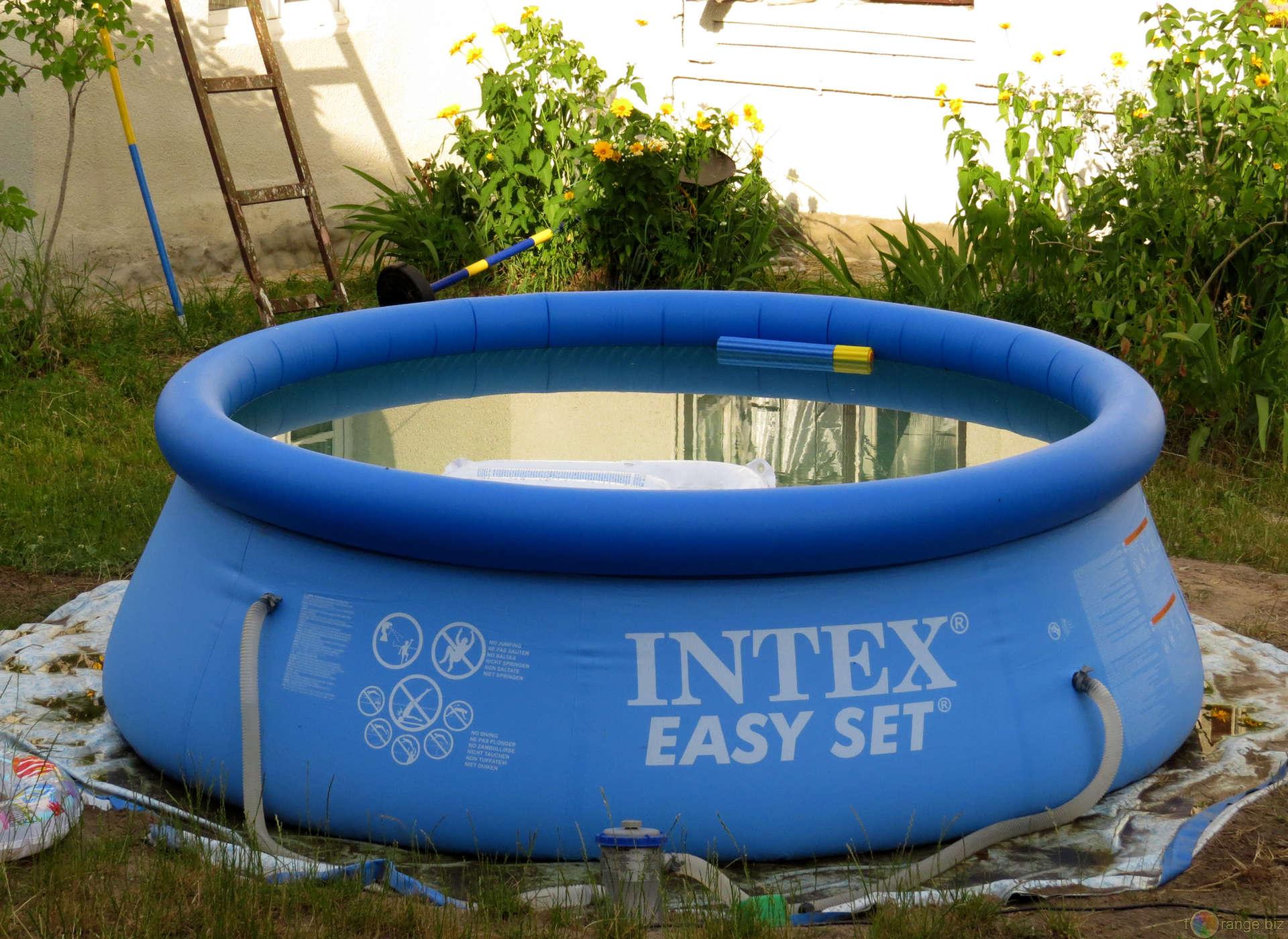 Piscine fuori terra prezzi - Quanto costa una piscina interrata ...