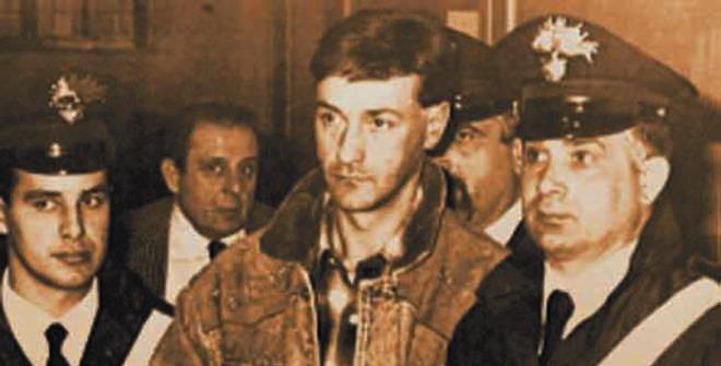 Un giovane De Cristofaro viene portato via in manette nel lontano 1991