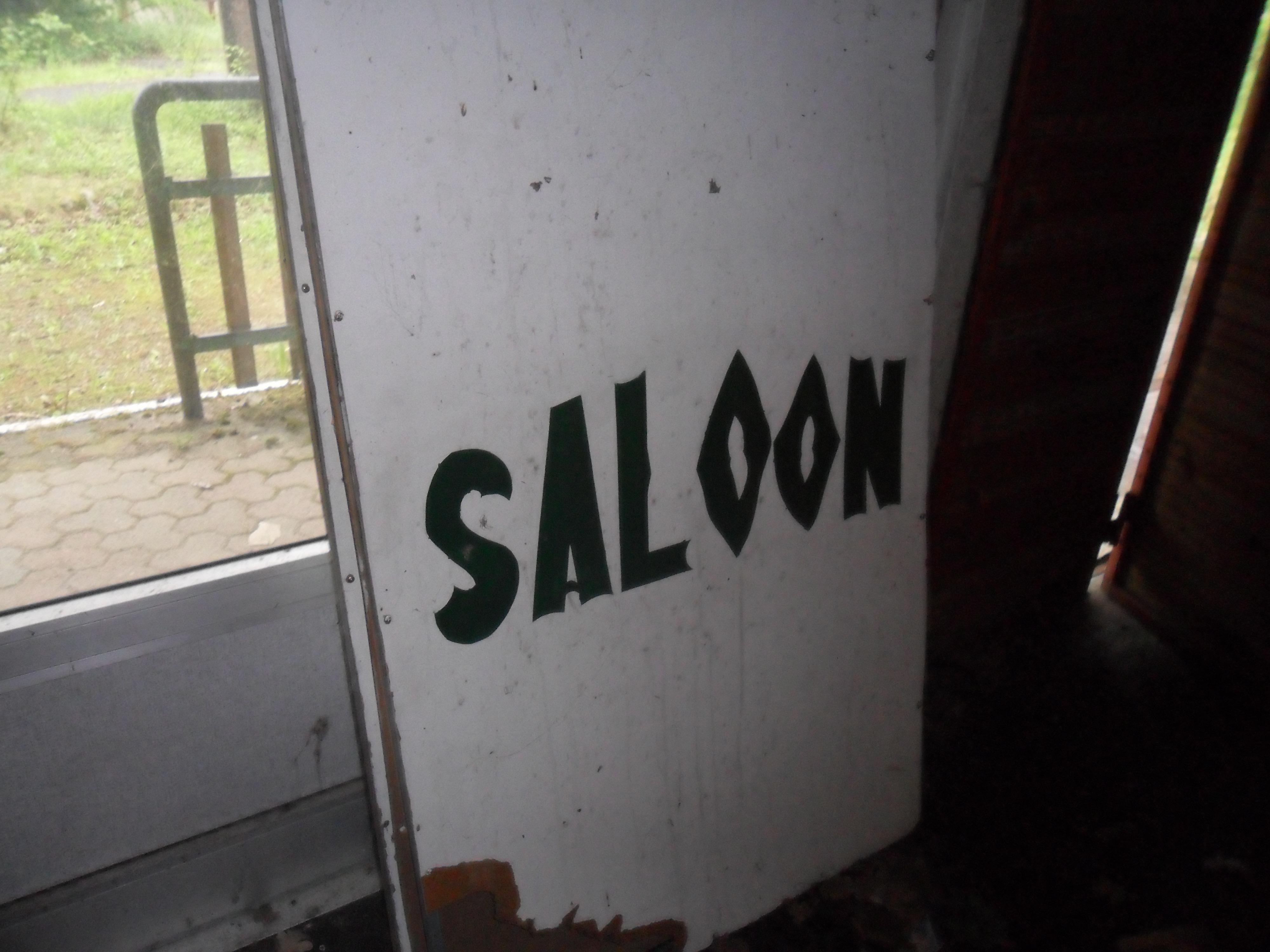 saloon cartello