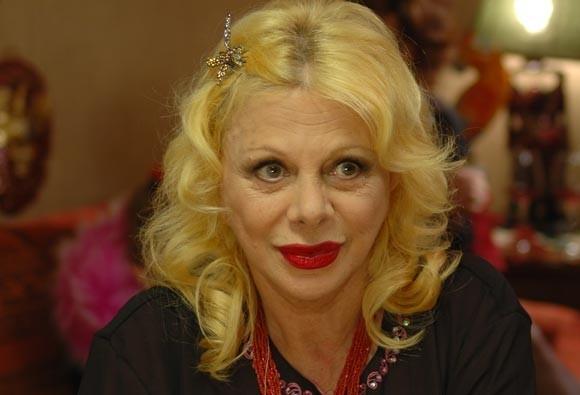 """Sandra Milo in una scena del film """"Chi Nasce Tondo"""""""