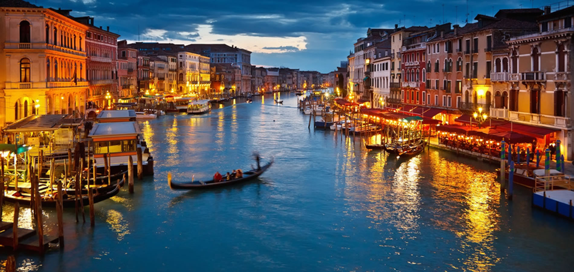 Uno stupendo scatto del Canal Grande di Venezia al tramonto