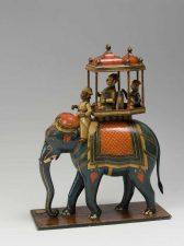 6---Elefante-con-palanchino-in-cartapesta-laccata---India