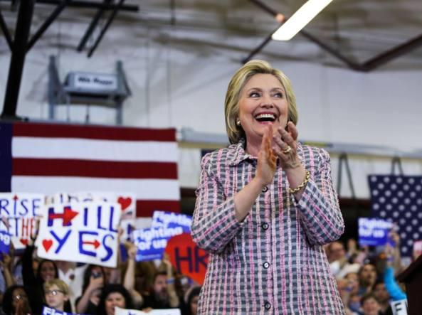 Hilary Clinton vince a Puerto Rico e continua la corsa alla Casa Bianca