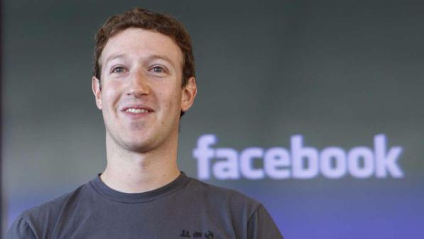 Mark Zuckerberg preso di mira dagli hacker: violati i suoi profili social