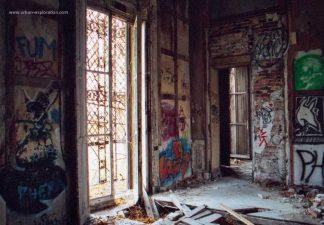 Le camere devastate.