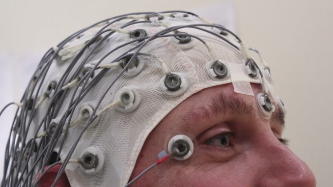 uomo italiano soffre trauma cranico