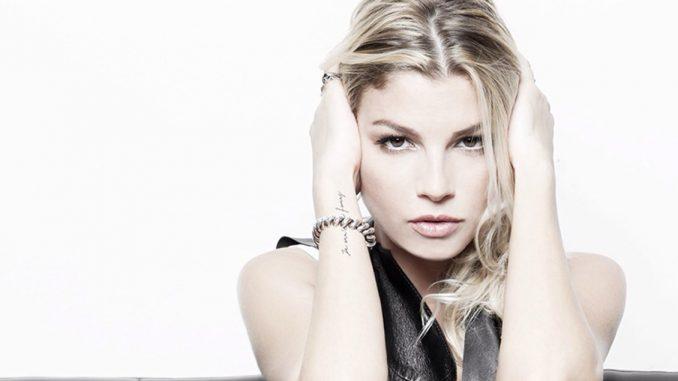 Emma Marrone canta Pino Daniele: pioggia di critiche