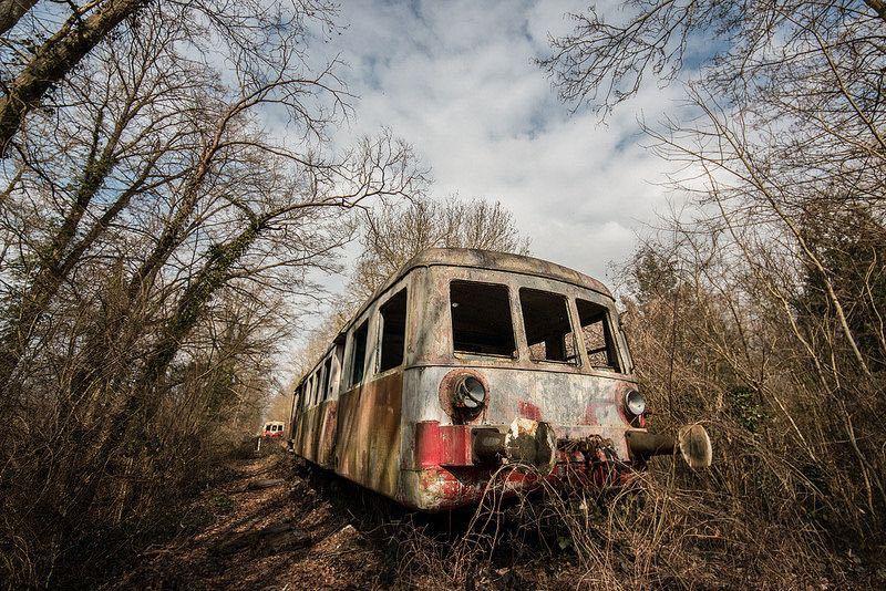 Il cimitero dei treni abbandonati for Case abbandonate italia
