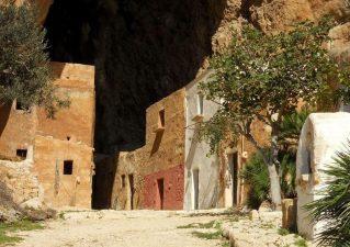 Grotta-Mangiapane-5