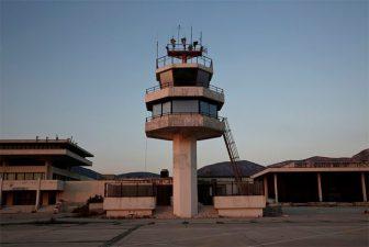 Una torre di controllo che non controlla più nulla da anni.