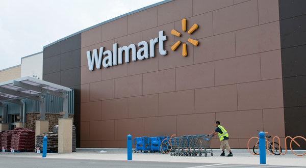 Texas, sparatoria al centro Walmart COMMENTA
