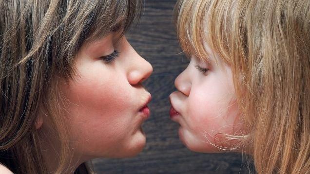 Mononucleosi: cause, sintomi, cura e prevenzione