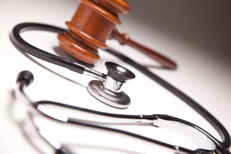 quanto guadagna un medico legale