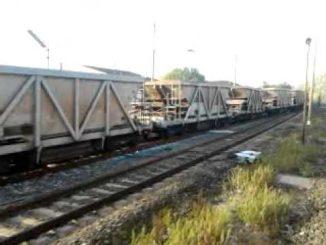 treno merci deragliato