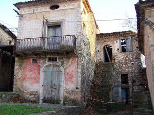 Una delle case di Roscigno.