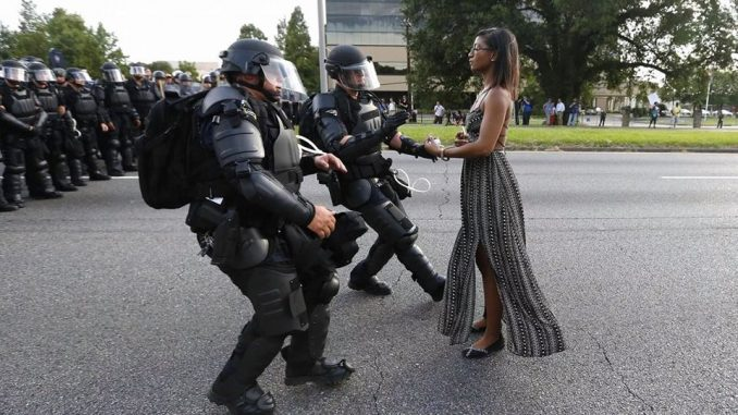 Donna afroamericana