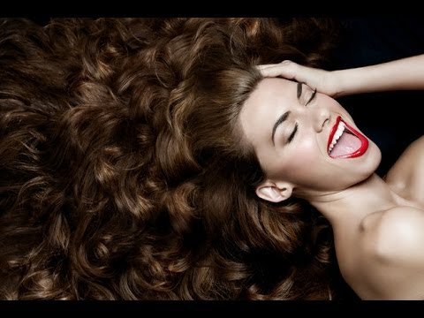 Come asciugare i capelli lunghi con permanente