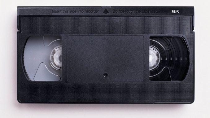 Addio al VHS: chiude l'ultima fabbrica di videocassette