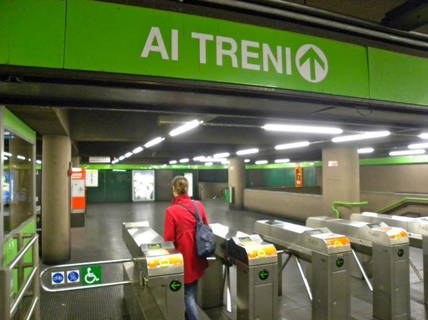 Milano, si è trattato solo di un pacco sospetto, allarme rientrato
