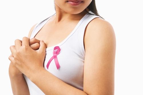 Ha un tumore al seno: il tribunale le vieta di avere figli