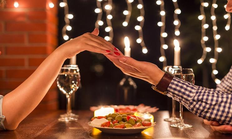 cena romantica a casa cosa cucinare.