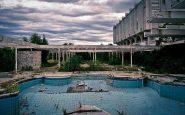 La piscina del megacomplesso in cui sorgeva il casinò.