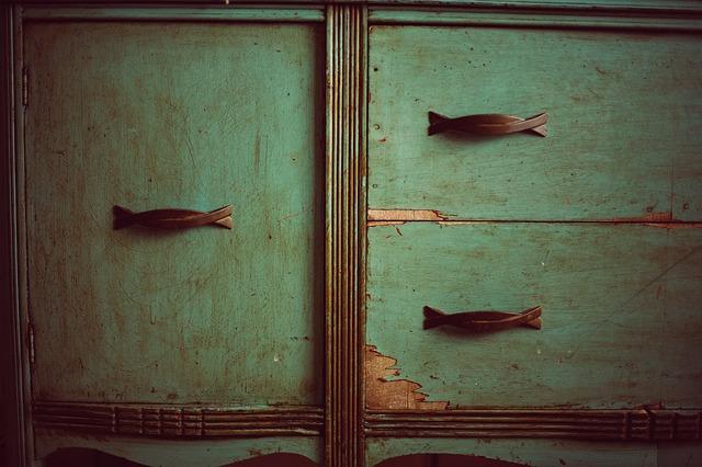 Credenza Con Decoupage : Découpage su legno credenza decoupage come farlo se