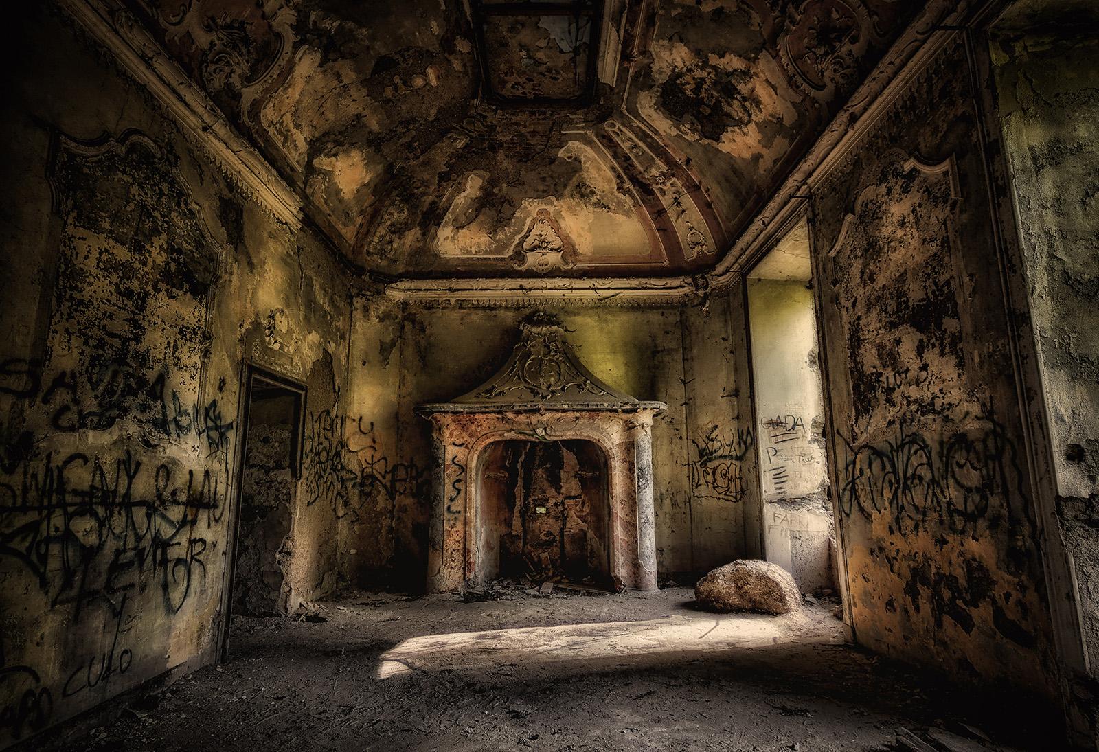 Villa de vecchi la casa dei fantasmi a cortenova for Costo per costruire una casa di 1400 piedi quadrati