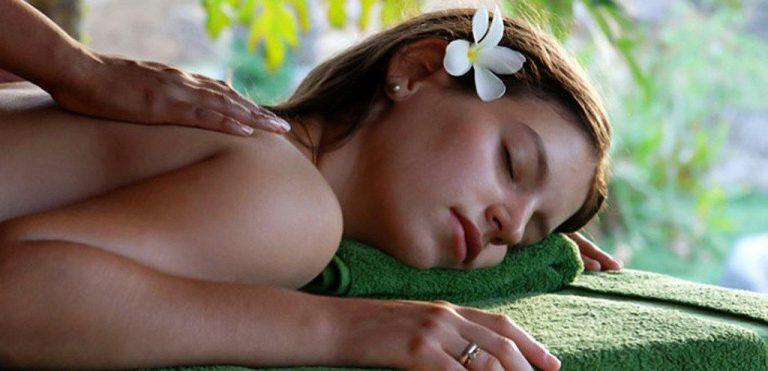 benefici massaggio ayurvedico
