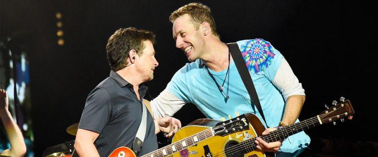 Michael J.Fox suona con i Coldplay