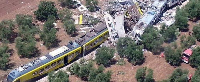 scontro fra treni in puglia