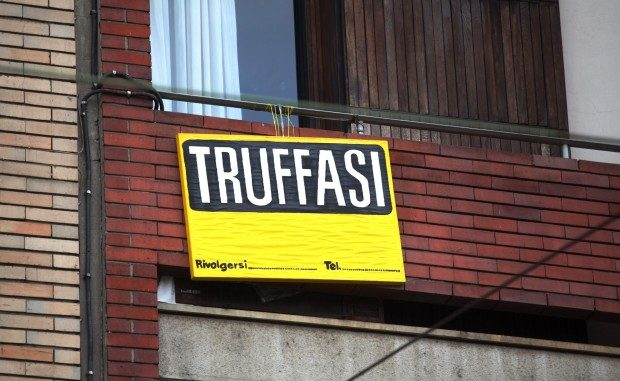 http://www.notizie.it/wp-content/uploads/2016/07/truffe-case-vacanza.jpg