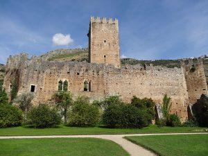 Il castello di Ninfa è ancora relativamente ben conservato.