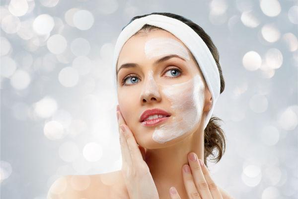 Guida ai 10 passi della pulizia del viso in stile coreano
