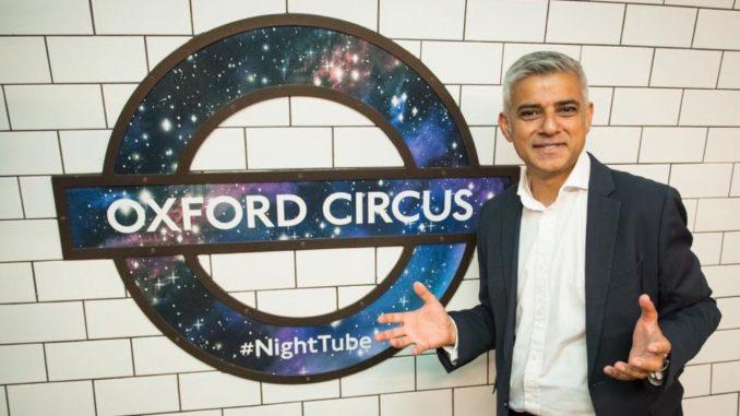 Il sindaco Sadiq Khan sta per promuovere l'apertura della metropolitana londinese notturna