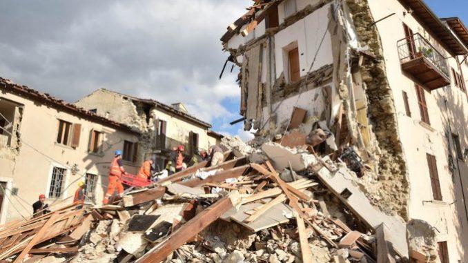 267 morti, ad Accumoli il suolo si è abbassato di 20 centimetri