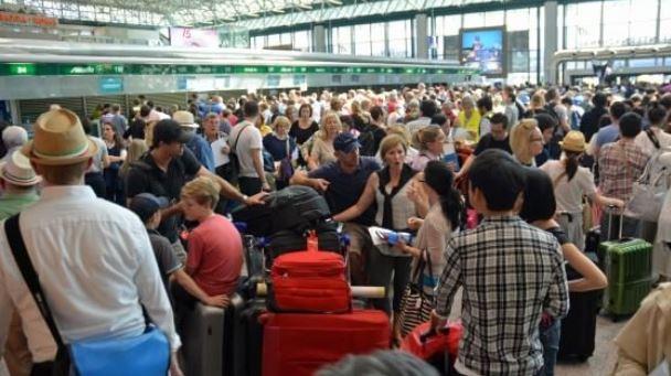 Blocco nei sistemi Delta Airlines, persone bloccate negli aeroporti COMMENTA